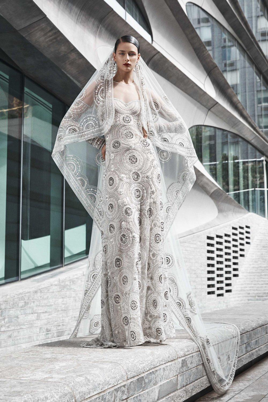 00015-naeem-khan-fall-2019-bridal-credit-yossi-michaeli.jpg