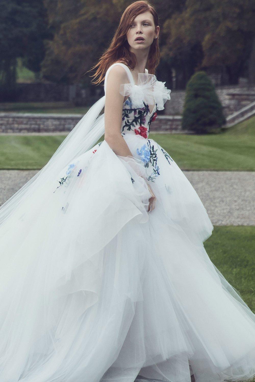 00007-monique-lhuilier-fall-2019-bridal.jpg