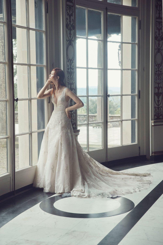 00003-monique-lhuilier-fall-2019-bridal.jpg