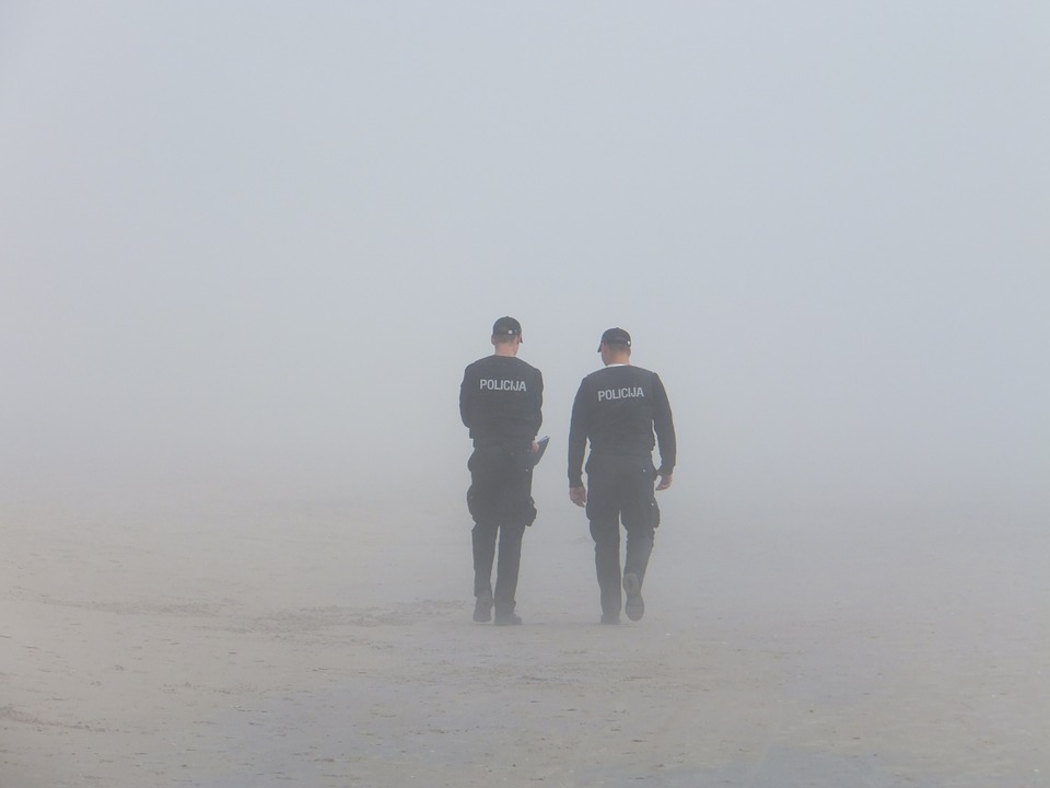 https://pixabay.com/en/police-fog-seaside-651504/