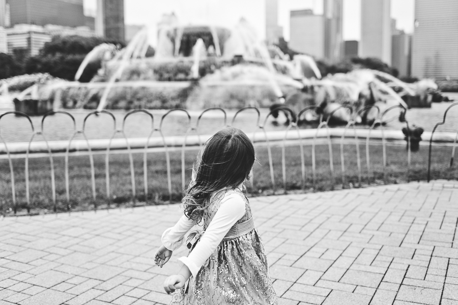 Chicago Family Photography Session_Buckingham Fountain_Haase_09.JPG