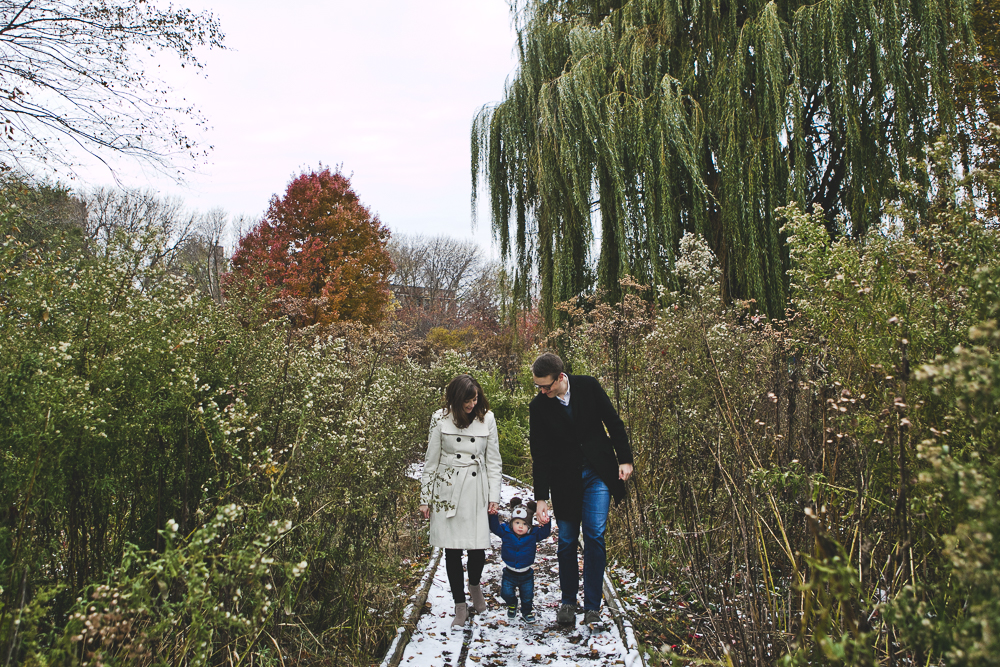Chicago Family Photographer_winter_autumn_session_lincoln square_winnemac park_JPP Studios_t_01.JPG