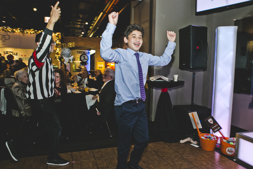 Chicago Bar Mitzvah Photographer_Temple Sholom_Chicago Sports Museum_JPP Studios_T_27.JPG