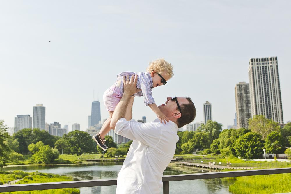 Chicago Family Photographers_Lincoln Park Zoo_South Pond_Kobe_02.JPG