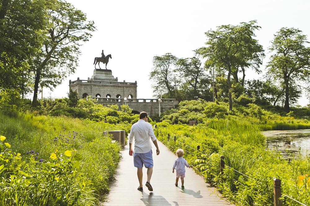 Chicago Family Photographers_Lincoln Park Zoo_South Pond_Kobe_04.JPG