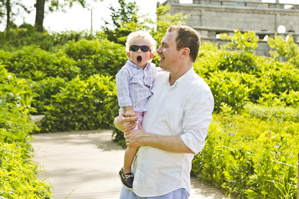 Chicago Family Photographers_Lincoln Park Zoo_South Pond_Kobe_13.JPG