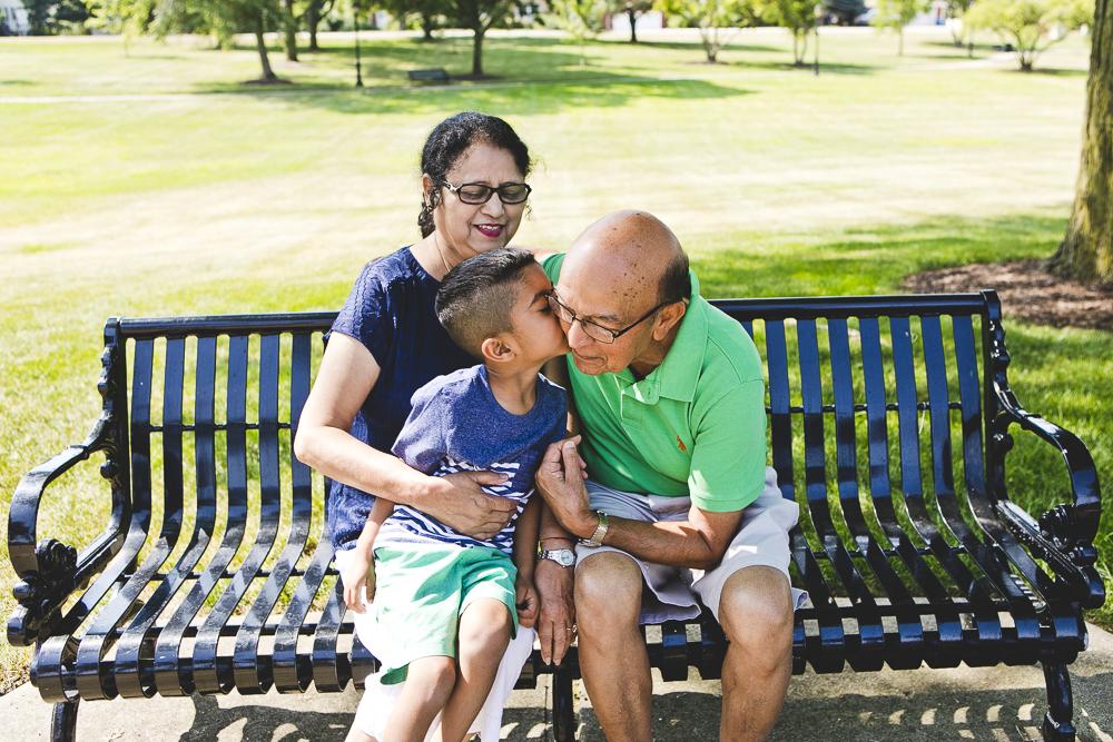 Chicago Family Photographers_Itasca_Usher Park_JPP Studios_B_04.JPG