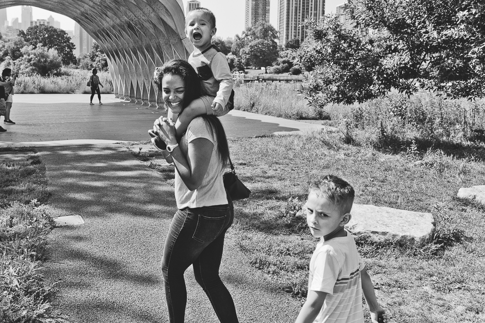 Chicago Family Photographers_Lincoln Park_South Pond_JPP Studios_V_03.JPG