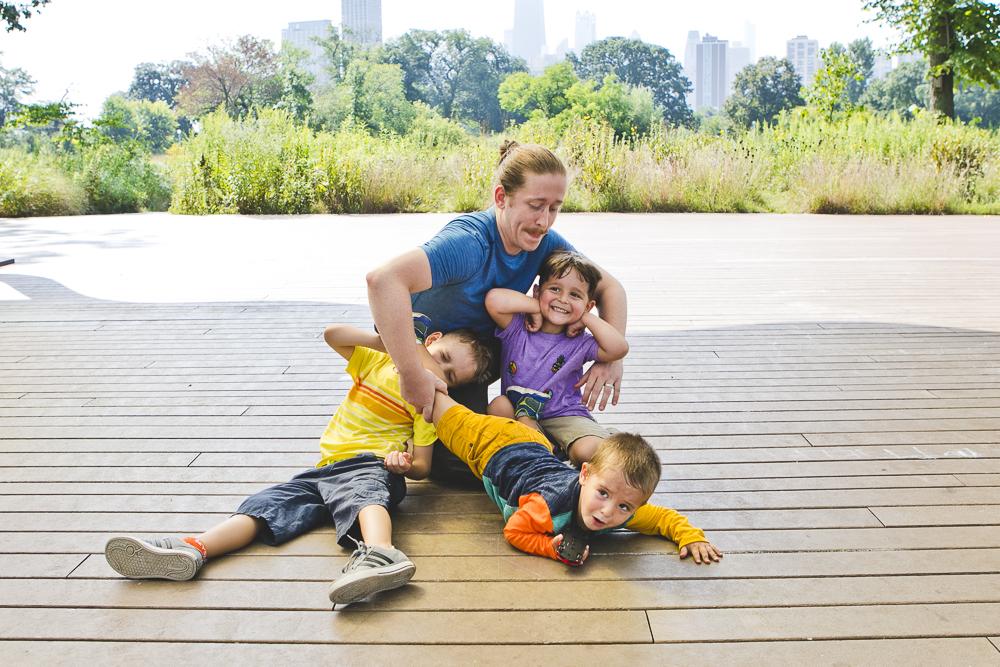 Chicago Family Photographers_Lincoln Park_South Pond_JPP Studios_V_08.JPG