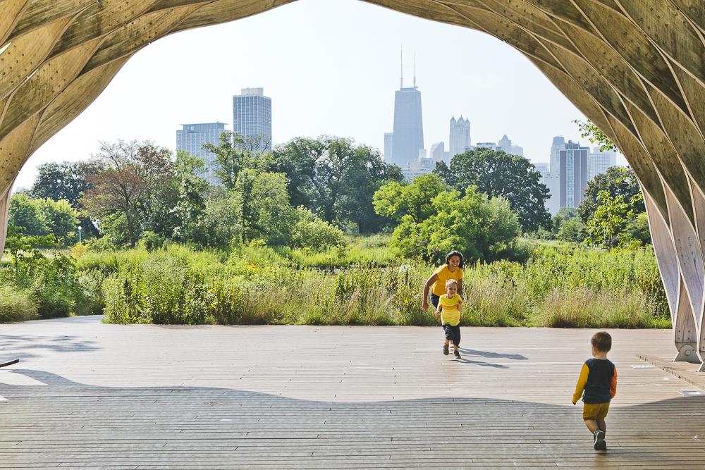 Chicago Family Photographers_Lincoln Park_South Pond_JPP Studios_V_16.JPG