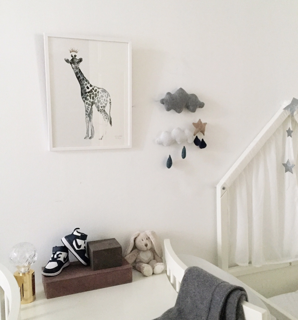 A baby  Giraffe  in a baby's room – Photo: Vanessa Rudjord