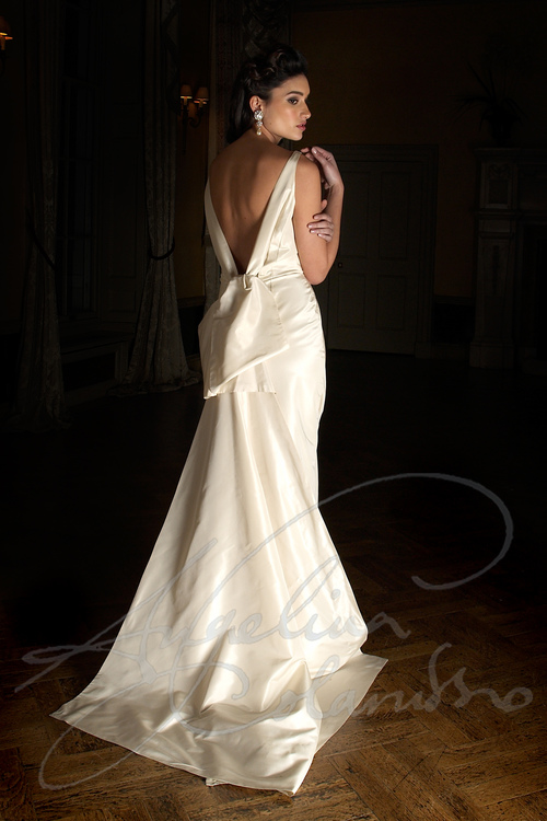 MANHATTAN WEDDING DRESS