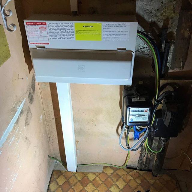 Rewire completed in #cheam #sockets #fuseboard #lights #led #installer #home #electrician #smokealarm #fire @officialniceic @aico_ltd