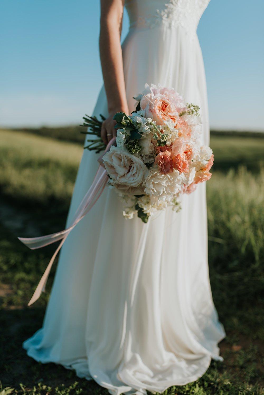 adult-beautiful-bouquet-1721944.jpg
