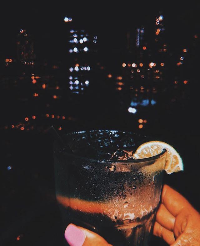 Night cap 🥃 c/o @blondeatabar
