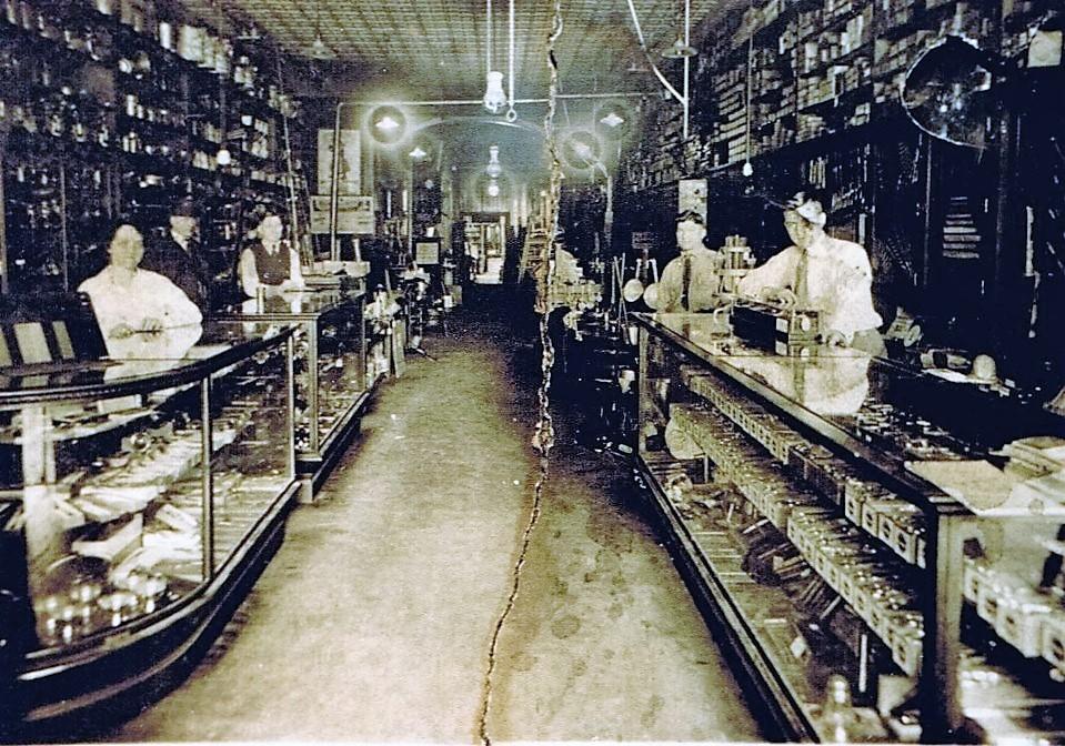 Oatman Hardware Store 1920's.jpg