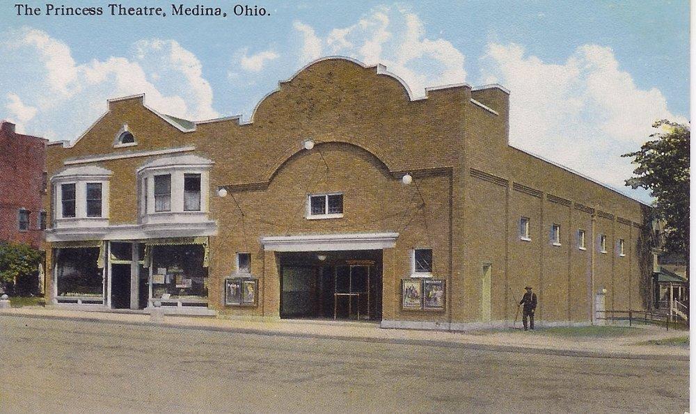 Medina, Princess Square, circa 1915.jpg
