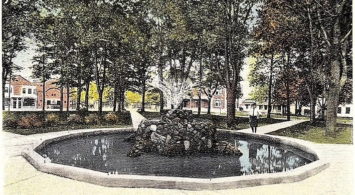 Park Rock Fountain 1915.jpg