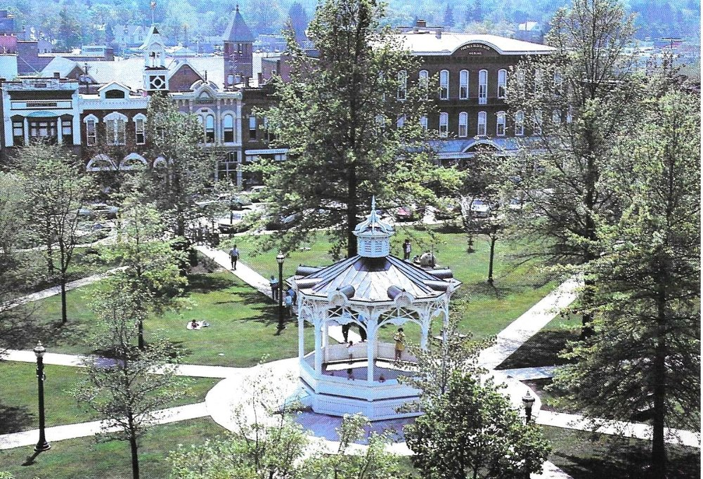Public Square photo 1989.jpg