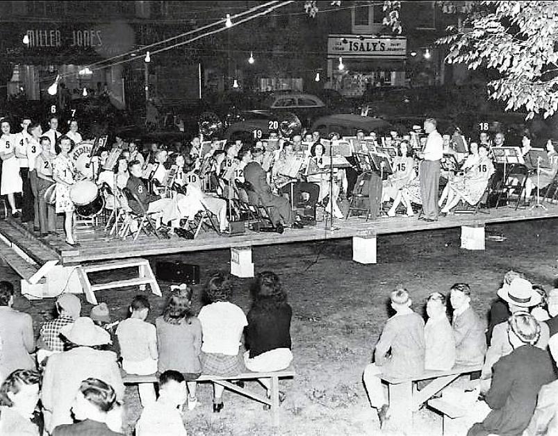 1944 Sum Band Concert.jpg