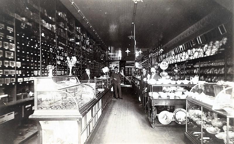 Munson Store photo.jpg