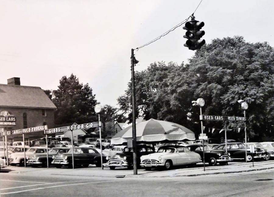 Gibbs Motor Used Car lot.jpg