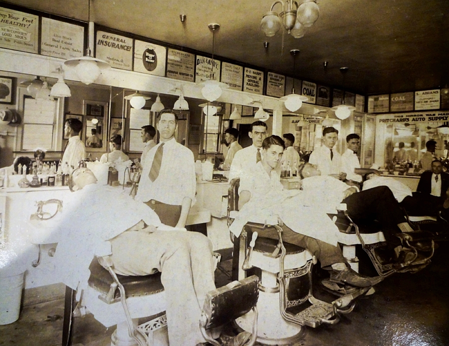Gooden Barbershop 1927.jpg