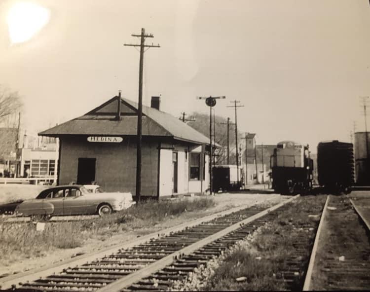 AC&Y Station 1955.jpg
