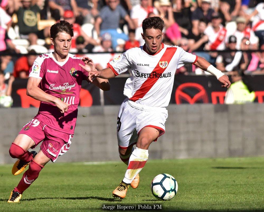 Rayo Vallecano - Fran Beltrán vs. Real Valladolid - LaLiga2 - 2017-2018.jpg