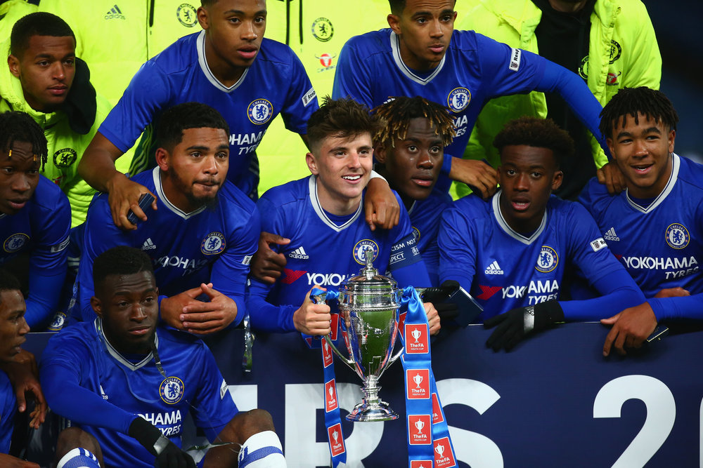 Mason Mount was named Chelsea's Academy Player of the Year in 2017.