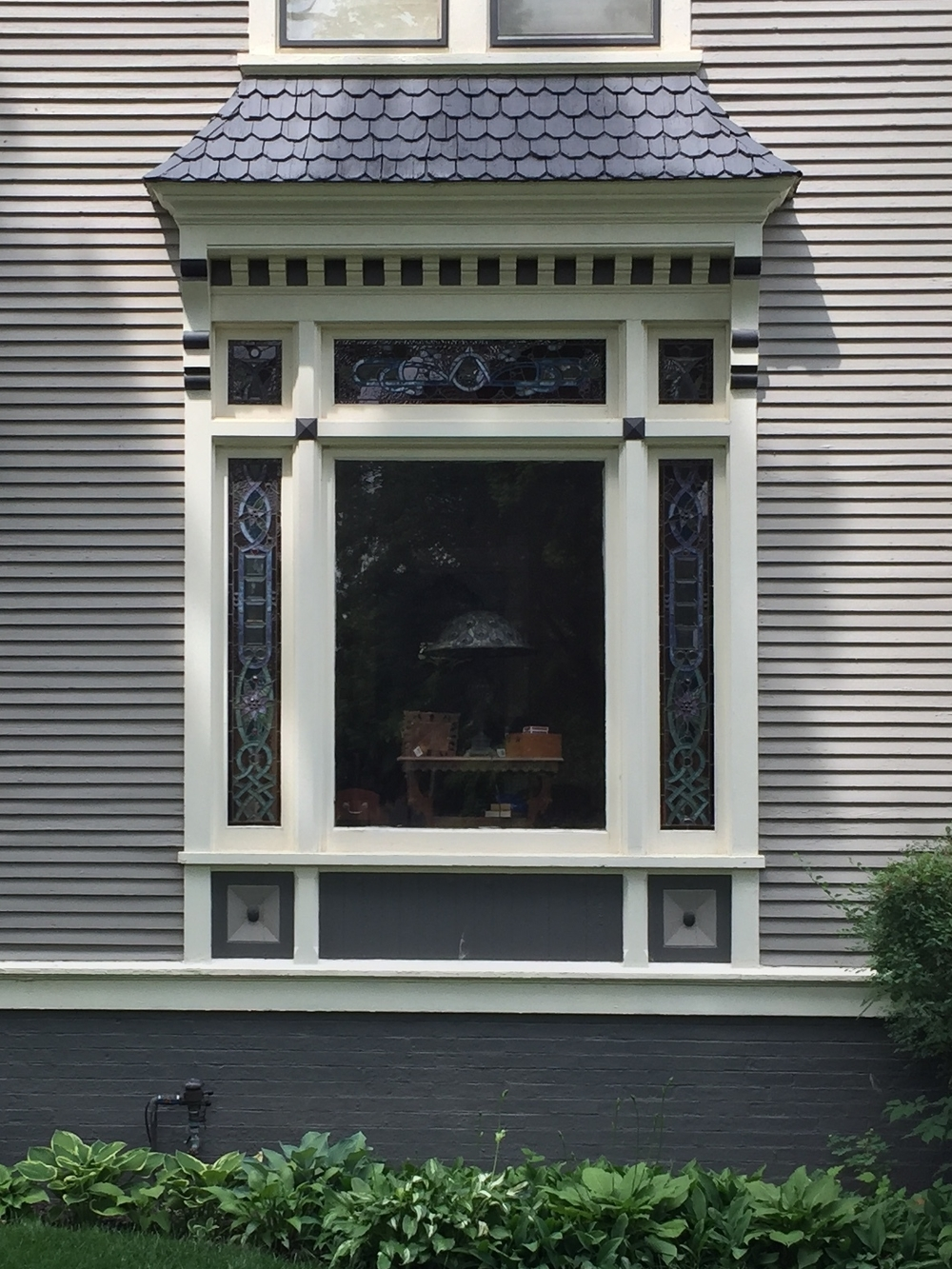 Queen Anne Window