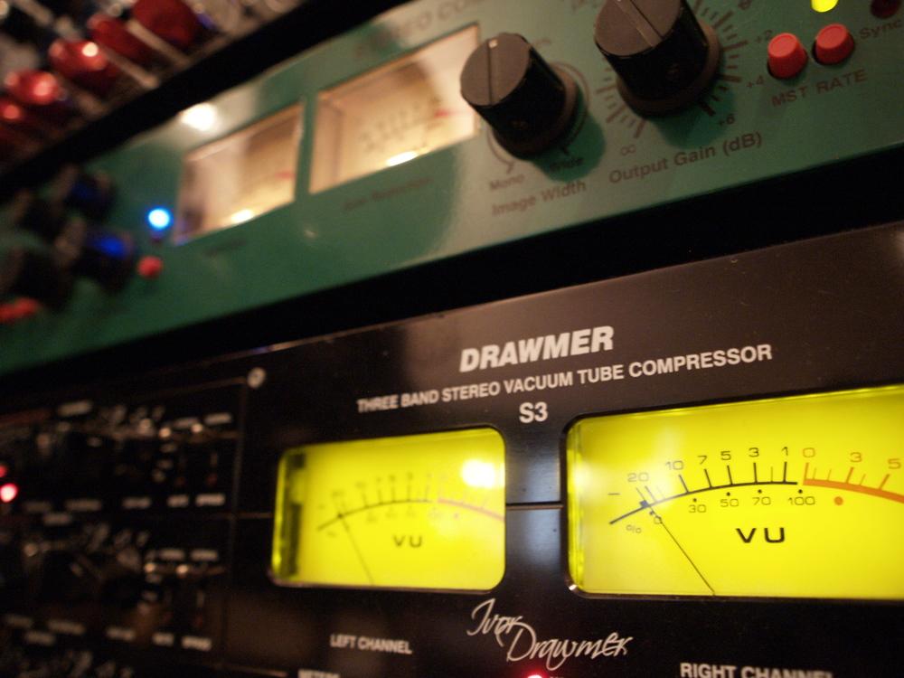 C1 Drawmer.JPG