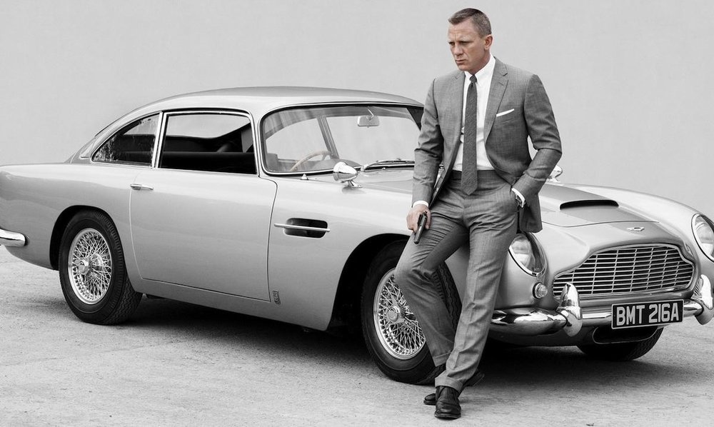 James Bond Style Icon Aston Martin DB5 Daniel Craig Grey Suit
