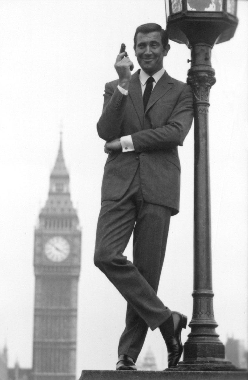 James Bond Style Icon 007 Big Ben London Suit