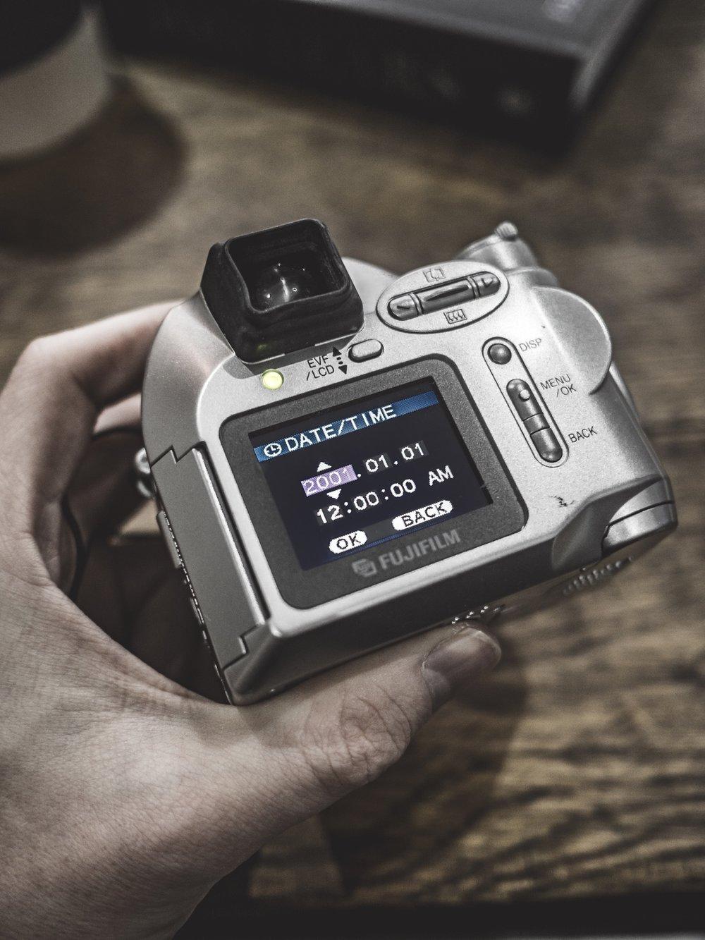 Fujifilm Finepix 2800 Zoom compact camera review