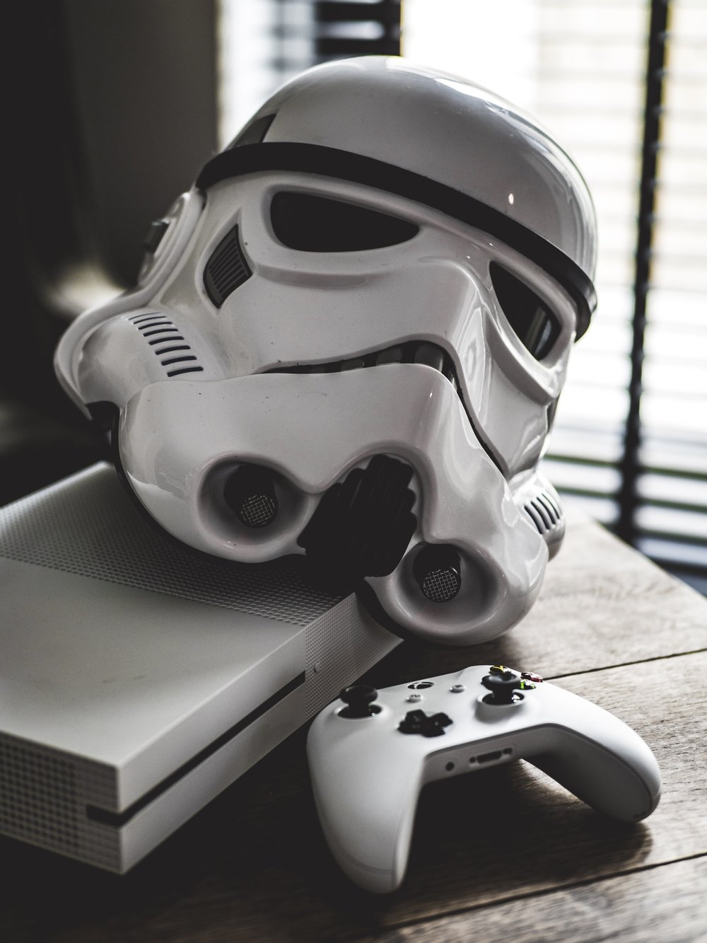 XBOX One S Star Wars Battlefront II 2 Stormtrooper Helmet Hasbro Black Edition