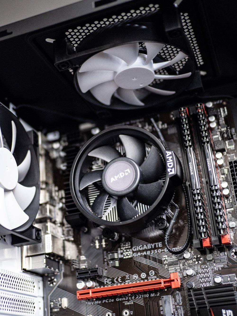 Gaming PC Build Gigabyte AB350 Motherboard Cooler Fan Fans NZXT White Case