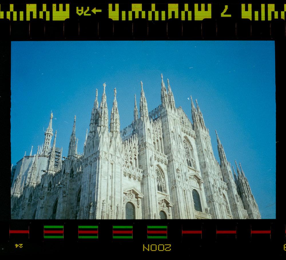 Olympus AZ-1 Zoom 35mm Vintage Film Camera Review Jay McLaughlin Agfa Vista Expired Milan Duomo