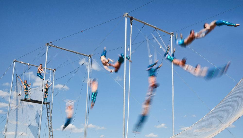 Cirque Carpe Diem(Trapèze volant) - Produit par la Maison de la Culture MercierDu jeudi 5 au dimanche 15 juillet 2018De 14h30 à 20h00Plus d'informationshttp://cirquecarpediem.com/