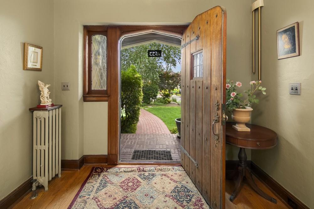 3 Entrance.jpg