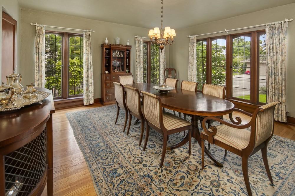 9 Dining Room.jpg