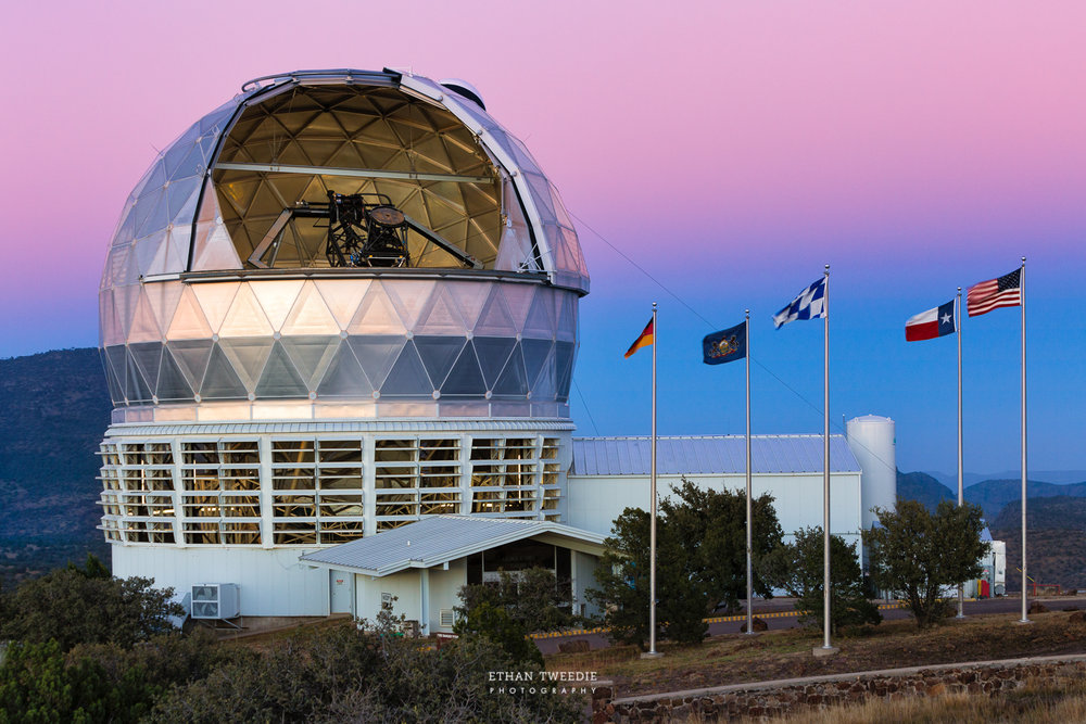 Twilight at the HET Telescope at McDonald Observatory, Ft. Davis Texas.  Photo Credit  Ethan Tweedie Photography