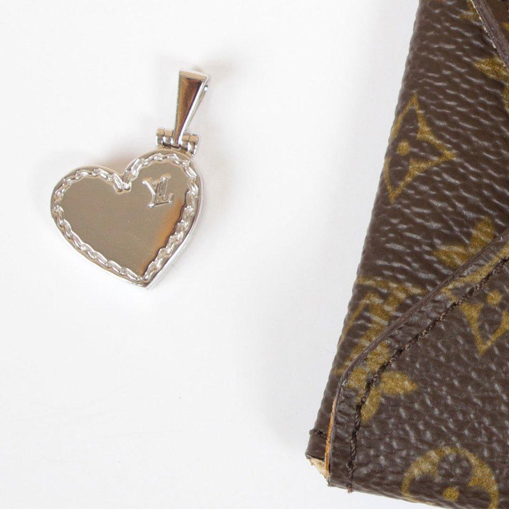 Blog Moss Designer Consignment Austin Flats Millie Beige 39 Louis Vuitton 18k White Gold Locket With Monogram Pouch 4200