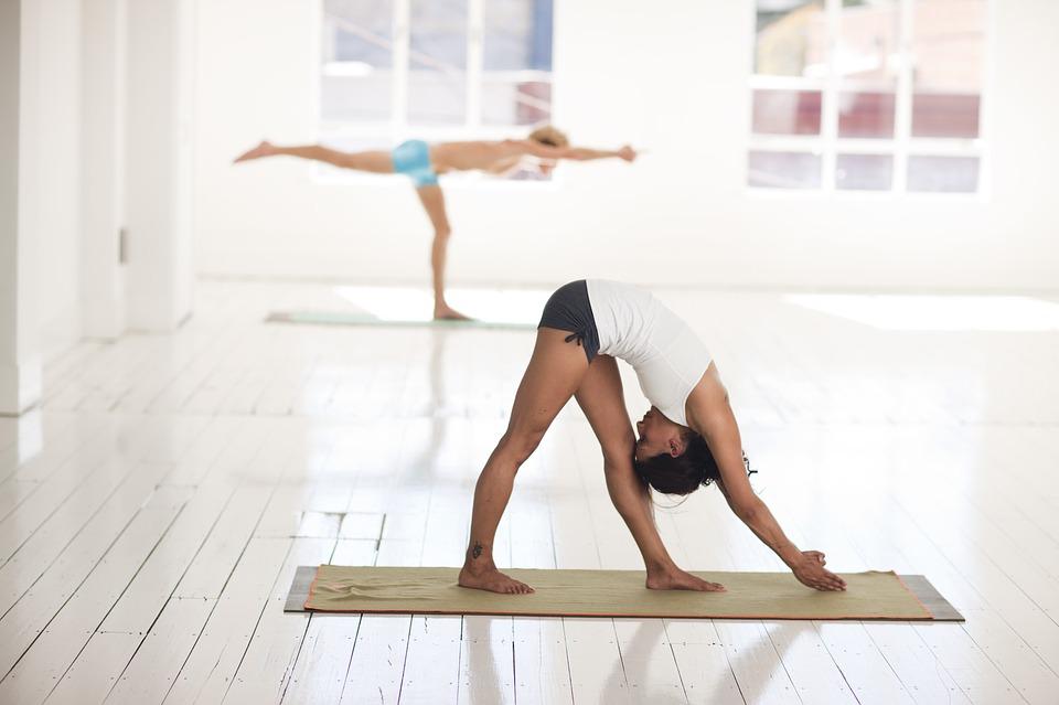 yoga-2959233_960_720.jpg