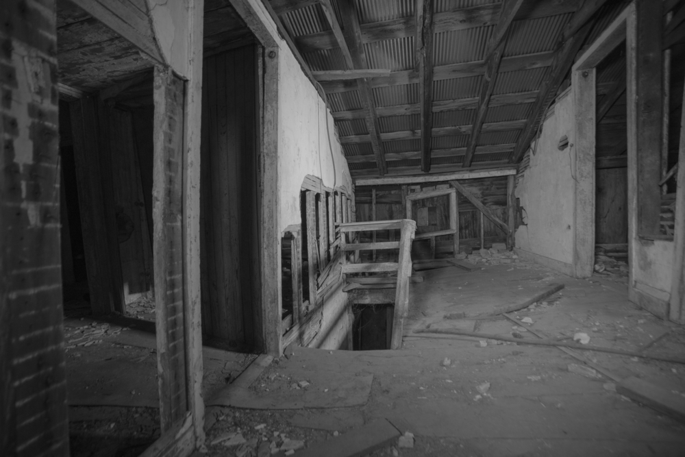 20180215-2nd fl middle stair_preview.png