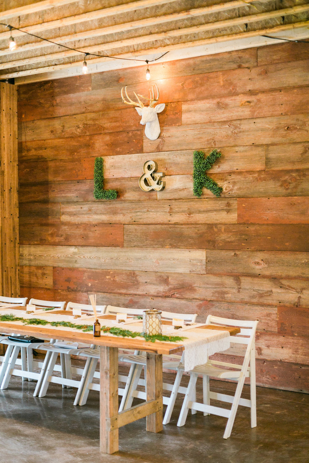 Woodland Rustic Wisconsin Wedding |   Photo by Laurelyn Savannah Photography