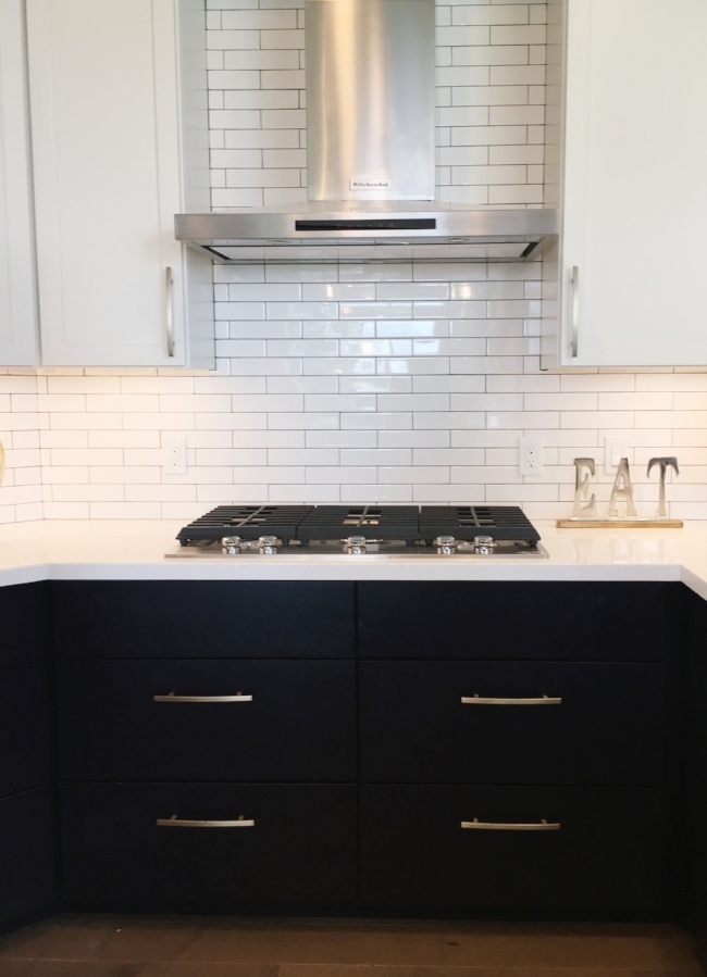 dark cabinets with gold hardware at madison parade of homes | la petite farmhouse