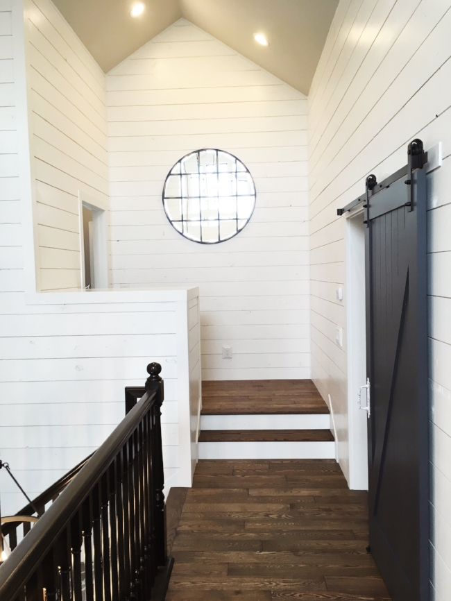 joanna gaines would approve of this beautiful shiplap & sliding barn door landing