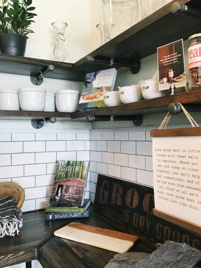 subway tile kitchen graced in Manitowoc, WI | la petite farmhouse