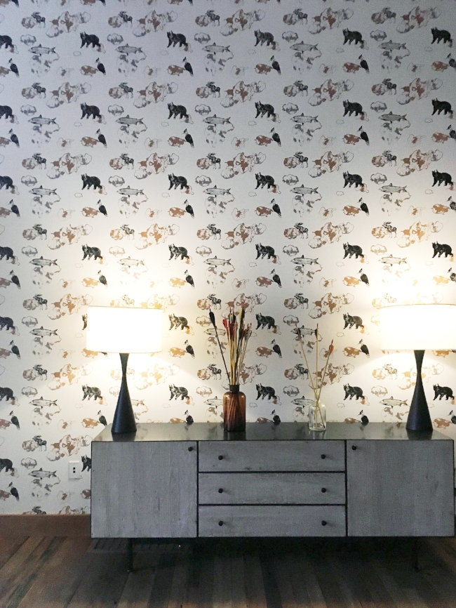 how sweet is this woodland rustic wallpaper?